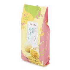 이마트 피코크 : 찰떡 바나나 패키지 디자인 Food Branding, Packaging Design, Beverages, Creative, Korea, Chocolate Shop, Cocoa, Brown, Package Design
