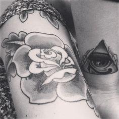 Tattoo sisters