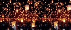 The floating lanterns Festival of Chiang Mai. A Buddist celebration concluding with the release in the sky of thousand of lighted lanterns. Wish Lanterns, Sky Lanterns, Wedding Lanterns, Paper Lanterns, Floating Lantern Festival, Floating Lanterns, Floating Lights, Thailand New Year, Bangkok Thailand
