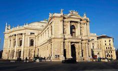 Burgtheater. Tam już też zawitałam. Wiem że kulturalne towarzystwo z Was i też bywacie w teatrze lub operze. Prawda?  #justizcaffee #rathaus #österreich #austria #wienna #Vienna #Vyana #Вена #Bec #viden #Wien #Vieno #Vienne #viena #Wenen #Vín #Viena #Vindobona #vieden  #Dunaj #viyana #Bécs #wiedeń