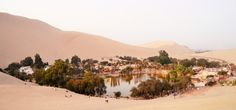 Die Oase Huacachina in Peru