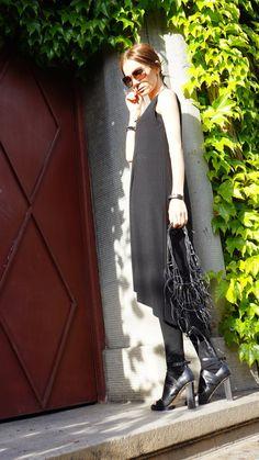 Maxi Dress / noir caftan / Extravagant longue robe / par Aakasha