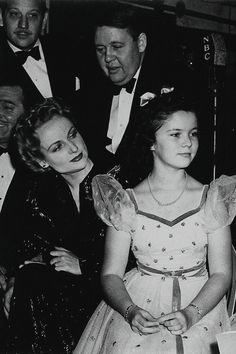 Gable/Lombard,Shirley Temple,Melvyn Douglas and Charles Laughton in the back - 1941 war benefit