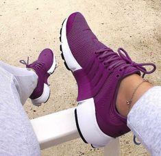 Nike Presto Woman's shoes shoes Cute Shoes, Women's Shoes, Shoe Boots, Shoes Sneakers, Shoes Style, Shoes Trainers Nike, Remix Shoes, Sneakers Fashion, Fashion Shoes