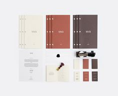 Una microbrewery and restaurant branding and packaging