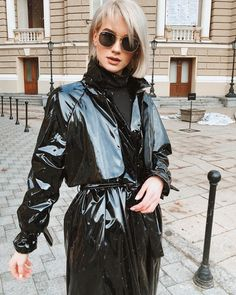 Vinyl Raincoat, Pvc Raincoat, Plastic Raincoat, Plastic Pants, Patent Trench Coats, Imper Pvc, Black Mac, Black Raincoat, Pvc Vinyl