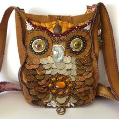 Owl Purse OOAK Bead Embroidered fuax Suede Bag por PettiBear Source by Owl Purse, Owl Quilts, Owl Bags, Felt Owls, Owl Always Love You, Owl Crafts, Owl Patterns, Cute Owl, Purses And Bags