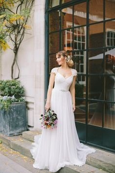 Wildflowers in the ciy - a bridal inspiration shoot sylted and conceived by Holden Bespoke. Images by M&J Photography.