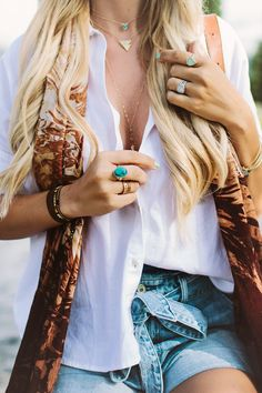 Layering simple jewelry creates the prettiest details