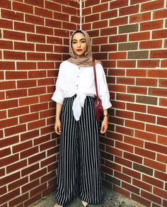 28 Ideas For Style Hijab Chic Simple Modern Hijab Fashion, Hijab Fashion Inspiration, Muslim Fashion, Modest Fashion, Look Fashion, Skirt Fashion, Trendy Fashion, Fashion Outfits, Hijab Fashion Summer