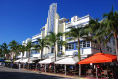 Ocean drive, Miami Beach, FL. Art Deco architecture in South Beach is one of the main tourist attractions in Miami.