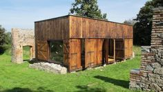 A simple rustic retreat in the Czech countryside   Labor 13