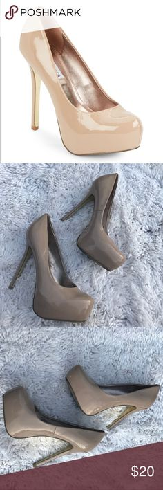 Steve Madden NALA Nude Platform Pumps Worn only a few times , good condition! *pic with white background is from Steve Madden website not mine* Steve Madden Shoes Heels