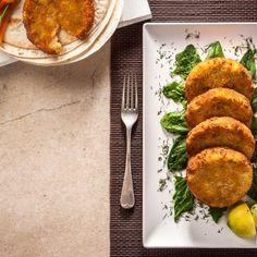 Κολοκυθοκεφτέδες / Greek zucchini fritters. Λαχταριστοί και πανεύκολοι κολοκυθοκεφτέδες! #greekfood #greekrecipes #greekfoodrecipes #pumpkin #pumpkinrecipes #pumpkinideas #kolokithokeftedes #zucchini #zucchinirecipes #friedfood #easyfood #easyfoodrecipes #sintagespareas #φαγητό #συνταγές #ελληνικα Side Dishes, Chicken, Meat, Recipes, Food, Recipies, Essen, Meals, Ripped Recipes