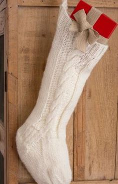 Classic Cable Stocking Free Knitting Pattern in Red Heart Yarns