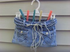 clothes pin bag from daughter's childhood jeans #clothespinbag #sewing #DIY