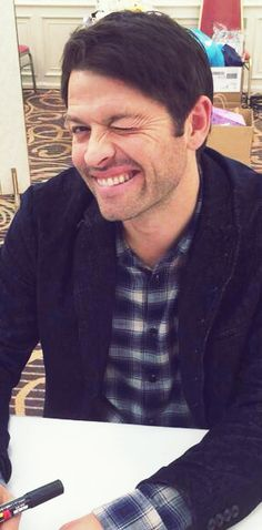 "catastrophiccastiel: ""Misha Collins being absolutely adorable at Hollycon Tokyo. December 27th 2014 """