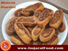 Bhakarvadi, is a traditional sweet and spicy snack #cruncyspicyfarshan #sweetspicy #treat!   #gujratifarshan #dryfarshan #tradinatinalgujratifood #Indianfoodlover #Gujaratifoodlover #India #IndianSnacks #indiansweets #DeliveringHappiness #gujaratifood #gujjutaste #gujjufood