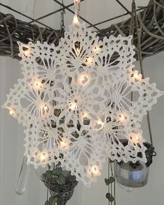 Best 11 Janet Smithson's media content and analytics – SkillOfKing. Crochet Snowflakes, Snowflake Ornaments, Christmas Snowflakes, Christmas Crafts For Kids, Simple Christmas, Christmas Decorations, Free Crochet Doily Patterns, Crochet Motif, Crochet Doilies
