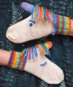 Aurora Unicorn Mittens DK pattern by Craftling Designs Knitting For Kids, Knitting Projects, Baby Knitting, Knitting Patterns, Crochet Patterns, Mittens Pattern, Knit Mittens, Knitted Gloves, Yarn Thread