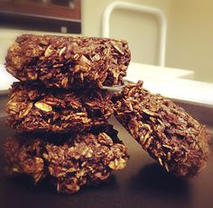 Healthy Cookies! (Makes 5 large cookies) Ingredients: -1 cup of rolled oats -1 banana -1 tbsp of cocoa (optional) -1 tbsp of unsweetened coconut (optional) Directions Preheat over to 350, mix all the ingredients into a bowl, then bake for 15-20 minutes.