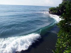 Pantai Batu Karas Pangandaran, Sajian Pesona Bali di Jawa Barat