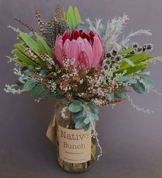 Native flower posy by Native Bunch - Protea, Banksia, Stirlingia, Leudacdendrons, Thryptomene Wedding Flower Arrangements, Flower Centerpieces, Floral Arrangements, Bunch Of Flowers, Pretty Flowers, Dried Flowers, Protea Bouquet, Protea Flower, Protea Wedding