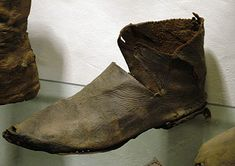 Another example of those fancy medieval shoes. They are widely spread from Britain to the Balkans, Mediterranean, and Eastern Europe.