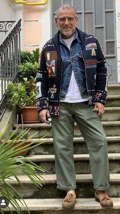 Older Mens Fashion, Men Fashion, Brown Loafers, Fashion Project, Asian Boys, Winter Looks, Men Looks, Dapper, Men Sweater
