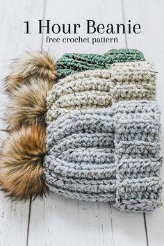 Quick Crochet, Knit Or Crochet, Cute Crochet, Crochet Crafts, Crochet Hooks, Crochet Mittens, Crochet Basics, Easy Things To Crochet, Easy Crochet Socks