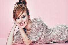 Elçin Sangu pictures and photos Curly Hair Types, Wavy Hair, Hair Color Pink, Pink Hair, Red Hair Celebrities, Copper And Pink, Elcin Sangu, Glamour Magazine, Turkish Beauty