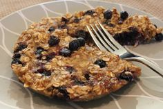*** Microwave Blueberry Banana Oat Cakes - Pinned via Pin It button on website.