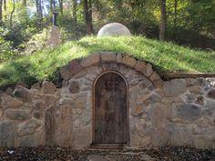 hobbit house underground house - well done hobbit style house