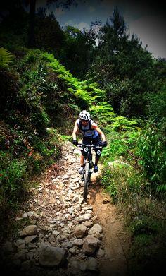 Biking rocky trails - MTB Biker ©Juan C. Mtb, Road Bikes, Cycling Bikes, Mountain Trails, Bike Style, Ride Or Die, Trail Riding, Bicycling, Bike Trails