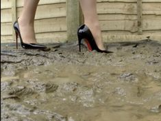 Louboutin High Heels, Girls Wear, Girl Pictures, Mud, Elegant, Cards, Women's Clothes, Classy, Girl Clothing