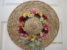 Summer Hat Wreath: Straw hat, Mums, Daisies.
