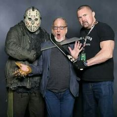 Jason, Robert Englund and Kane Hodder Slasher Movies, Horror Movie Characters, Horror Movies, Scary Funny, Funny Horror, Horror Icons, Horror Art, Halloween Friday The 13th, Kane Hodder