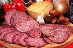 Házi szalámi készítése Salami Recipes, Homemade Sausage Recipes, Homemade Salsa, How To Make Sausage, Beef Ribs, Hungarian Recipes, Smoking Meat, I Love Food, Cooking Recipes