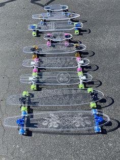 Skateboard Deck Art, Penny Skateboard, Skateboard Pictures, Beginner Skateboard, Skateboard Design, Skateboard Girl, Bebidas Energéticas Monster, Photo Trop Belle, Longboard Design
