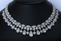 200 carat Platinum Diamond Necklace fit for a queen. D-F colorless diamonds
