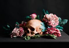 skull and flowers - julie n. hascoët