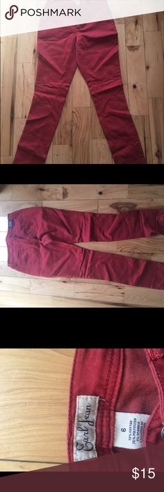 Earl jeans Burnt red , Earl Jeans size , 6 fit true to size.  Only worn a few times 😎super cute😎 Earl Jeans Jeans Skinny