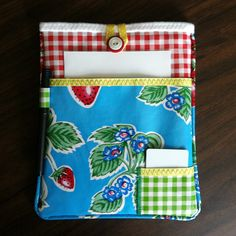 Always a Project: Oilcloth, Meet iPad Re-Blogged @ http://oilclothaddict.blogspot.com/2012/08/great-idea-oilcloth-ipad-cover.html