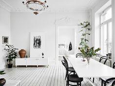 www.hemtrender.se scandinavian interior design, white walls, light and bright interior