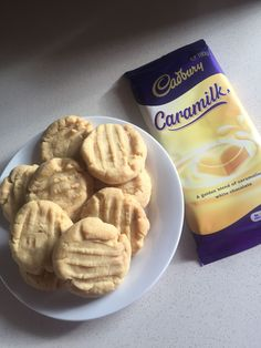 Soft and delicious cookies making the most of Cadbury's new Caramilk Chocolate Cadbury Recipes, Kiwi Recipes, Sweet Recipes, Delicious Deserts, Delicious Cookies, Yummy Food, Chocolate Meringue, Chocolate Treats, Biscuit Cookies