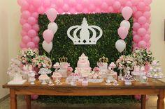 Princesas!! Muito charme nesta decoração! www.adrianaporto.com.br