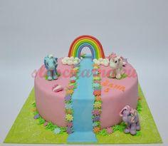 Torta pepa prase sa porodicom u barici ispred kue birthday cakes torta my little pony thecheapjerseys Choice Image