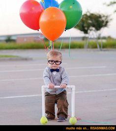 Disfraz de bebé del personaje de UP, Carl Fredricksen.