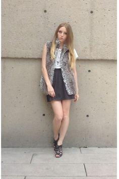 White Leopard - Emily D