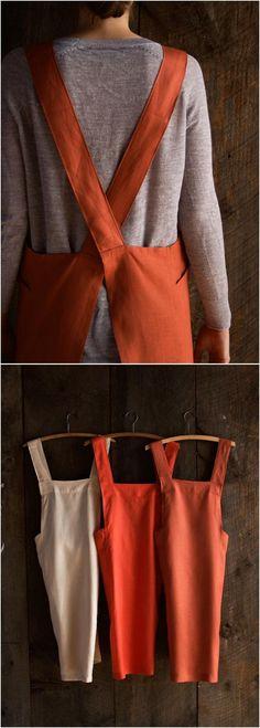 15 DIY Apron Sewing Patterns--Linen Cross Back Apron #Sewing #Apron #Pattern